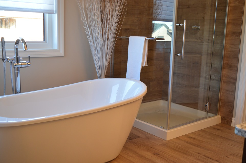 onderhouden van badkamermeubelen