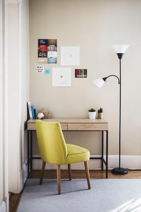 Stoel bekleden | gele stoel