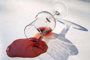 Wijn vlekken laten verwijderen