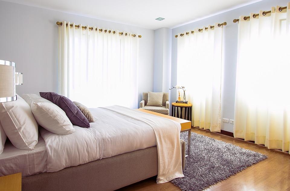 Gordijnen in een slaapkamer