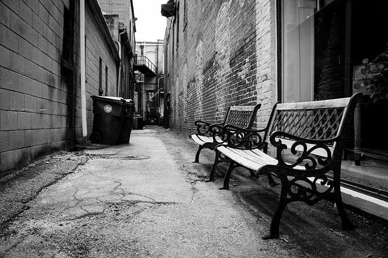 Straatmeubilair is van de straat